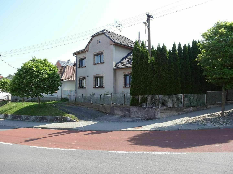 rodinný dům s pozemky, k.ú. Petrůvka u Slavičína -