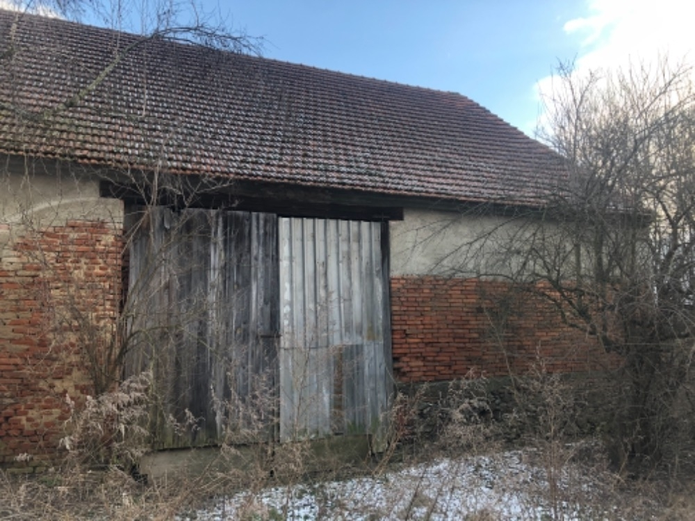 Stodola, LV 660 v obci Hostěradice na Znojemsku