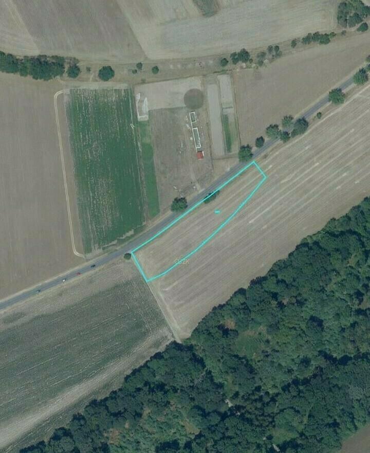 podíl 1/3 pozemku (orná půda) v k.ú. Kyškovice,