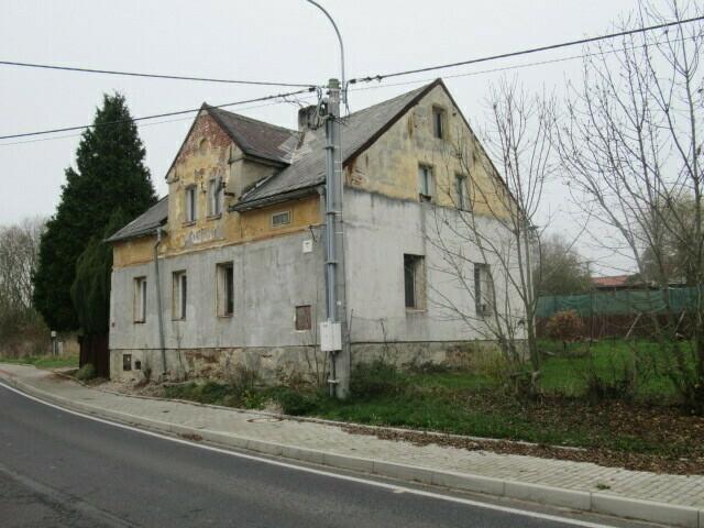 podíl ½ rodinného domu s pozemky v k.ú. Litov,