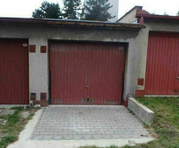 podíl 1/2 garáže v Ústí nad Orlicí