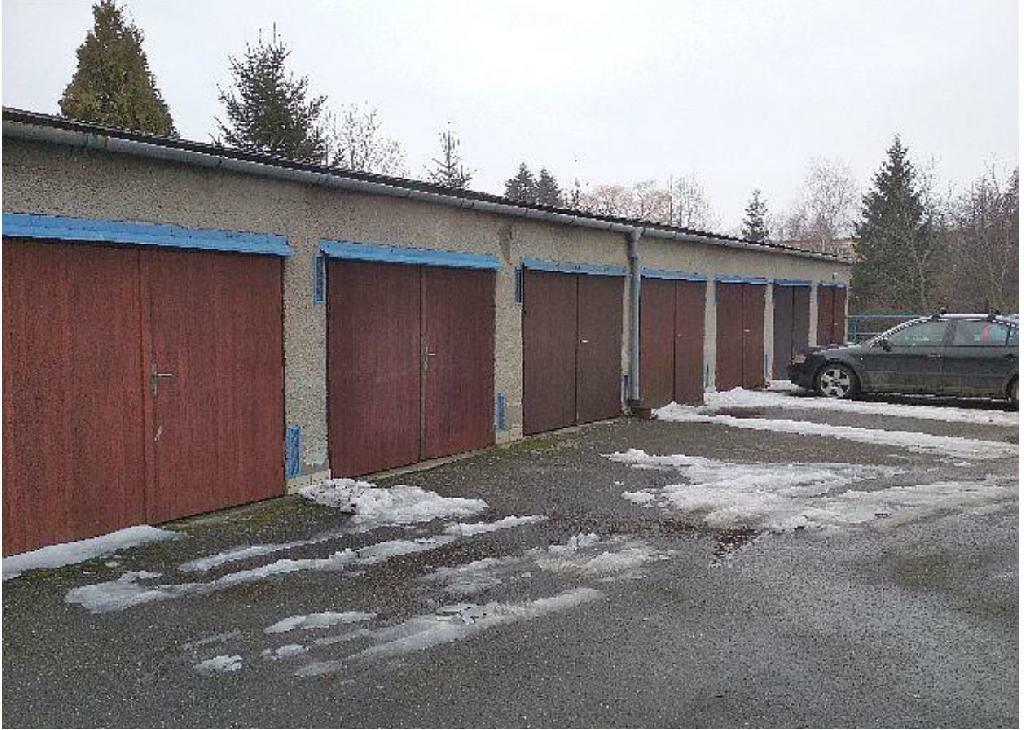 id 1/2 garáže s pozemkem v Bystřici pod Hostýnem