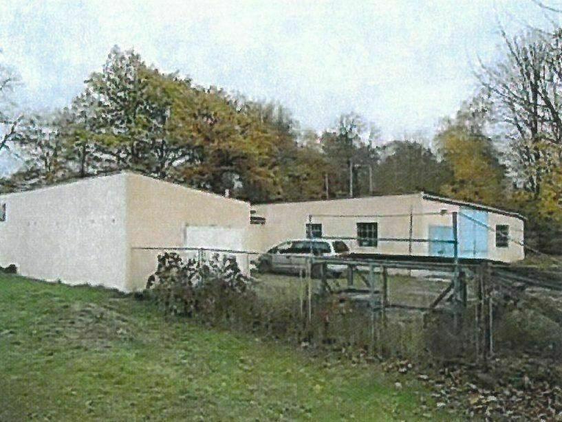 Stavba bez čp/če (dílna) s pozemkem (2053m2) v
