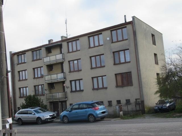 podíl v bytovém družstvu = užívání bytu č. 8 v