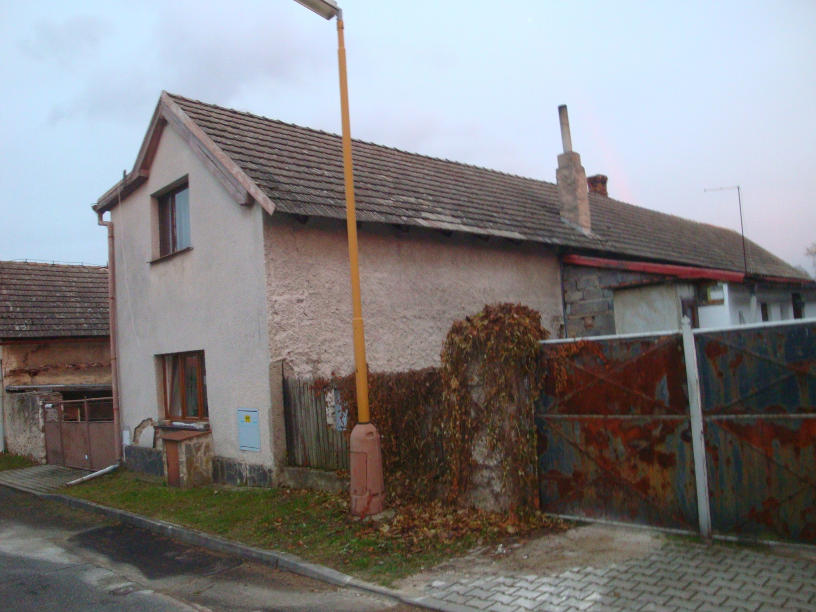 Id 1/2 - rodinný dům Zdechovice, okr. Pardubice
