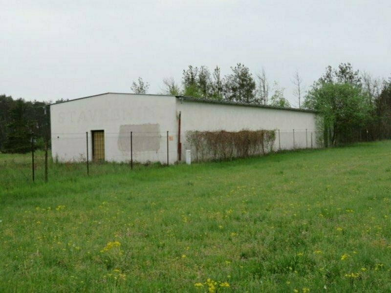 Dražba dvou zemědělských staveb a soubor pozemků